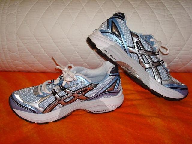 RunningShoes1.jpg